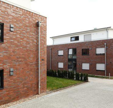 2 moderne Mehrfamilienhäuser